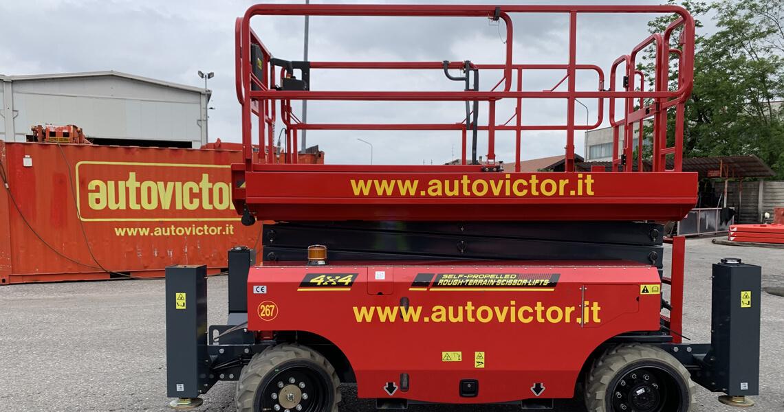 Autovictor acquista le piattaforme verticali Magni DS 12 18 RT e DS 14 18 RT